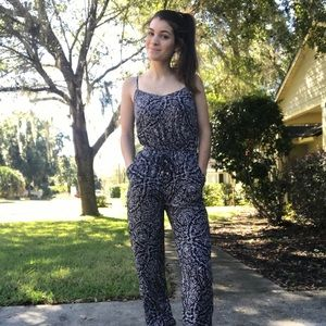 American Eagle jumpsuit- with pockets !